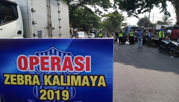 Operasi zebra kalimaya 2019 di kawasan Patung, Kota Serang, Kamis (24/10/2019). (Foto: TItikNOL)