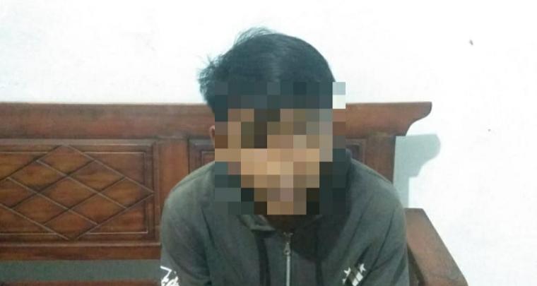 AG (16), seorang pelajar di salah satu Sekolah Menengah Kejuruan (SMK) di Pandeglang. (Foto: TitikNOL)