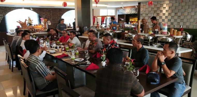 Mediasi antara jaringan pengusaha ring saty dengan manajemen PT Krakatau Posco. (Istimewa).