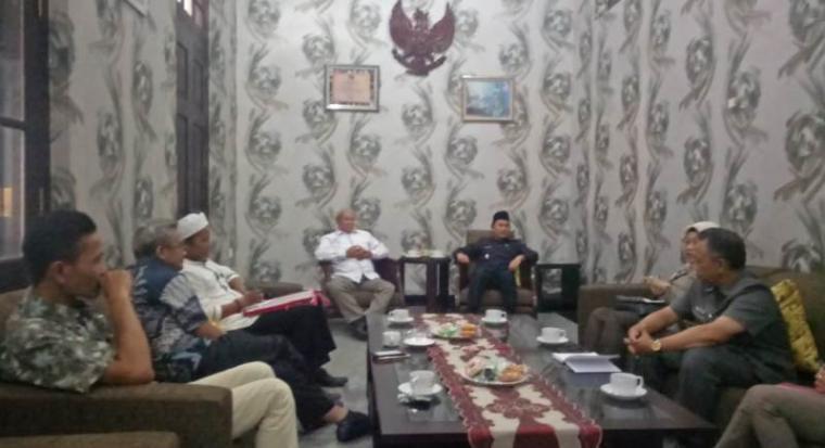 Sejumlah pengurus Bakor PKC saat beraudensi dengan Wakil Bupati Lebak, Ade Sumardi, Kamis (31/10/2019). (Foto: TitikNOL)