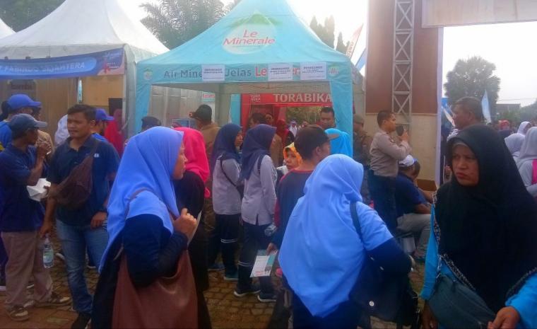 Suasana Perayaan Hari Kesehatan Nasional tingkat Provinsi Banten yang digelar di Alun-alun Pandeglang, Jumat (6/12/2019). (Foto: TitikNOL)