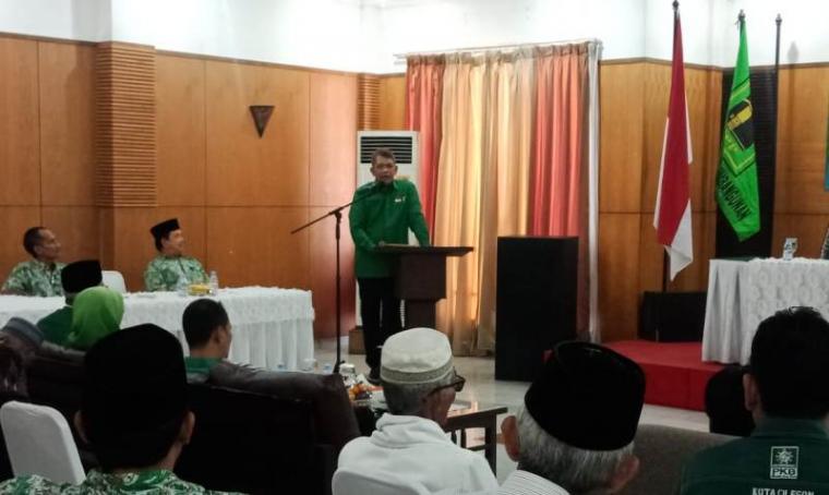 Ketua DPW PPP Provinsi Banten , Agus Setiawan saat memberikan sambutan dalam Mukercab PPP Cilegon. (Foto: TitikNOL)