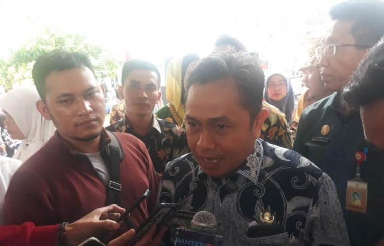 Wakil Walikota Serang Subadri Ushuludin saat diwawancarai awak media. (Foto: TitikNOL)