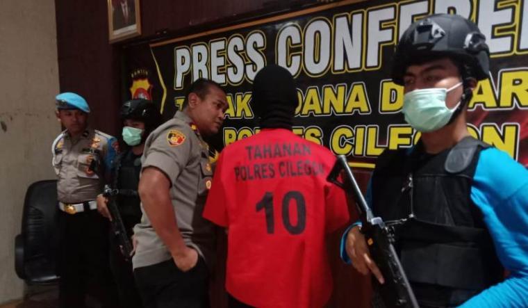 Wakapolres Cilegon, Kompol Andra Wardhana saat menggelar pers release di Mapolres Cilegon. (Foto: TitikNOL)