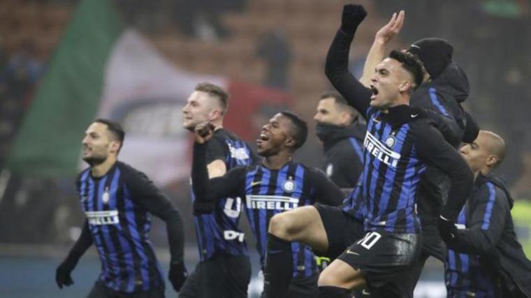 Selebrasi sejumlah pemain Inter Milan usai cetak gol. (Dok: Bola)