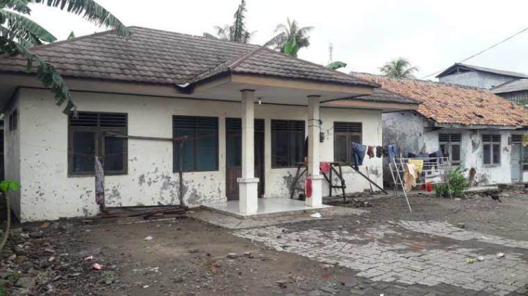 Kondisi Puskesmas Pembantu (Pustu) di Jalan Raya Pelabuhan Karangantu, Kelurahan Banten, Kecamatan Kasemen, Kota Serang. (Foto: TitikNOL)