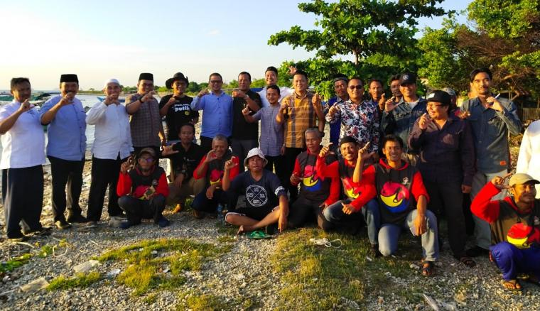 Panitia Khusus (Pansus) Perlindungan Nelayan Dewan Perwakilan Rakyat Daerah (DPRD) Kota Cilegon saat meninjau Pangkalan Nelayan Tanjung Peni. (Foto: TitikNOL)