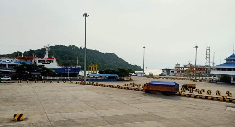 Kondisi terkini Pelabuhan Merak ditengah -tengah semakin meluas Covid-19. (Foto: TitikNOL)