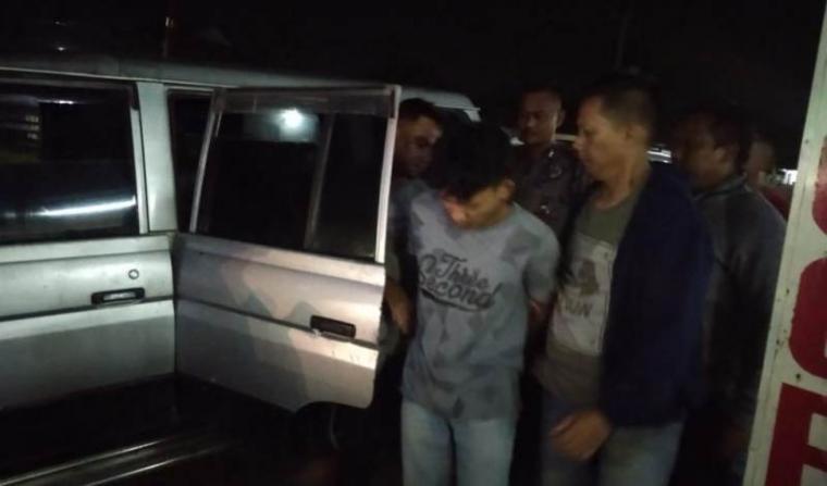 Pelaku pencurian kendaraan motor (Curanmor) di indekos mahasiswa Universites Sultan Ageng Tirtayasa (Untirta), Pakupatan, Kota Serang. (Foto: TitikNOL)