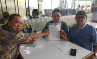 Sekretaris Komisi IV DPRD Provinsi Banten, Thoni Fhatoni Mukson menjadi narasumber pada acara jaring aspirasi masyarakat di Aula Baitul Hamdi di Kecamatan Menes, Kabupaten Pandeglang. (Foto:TitikNOL)