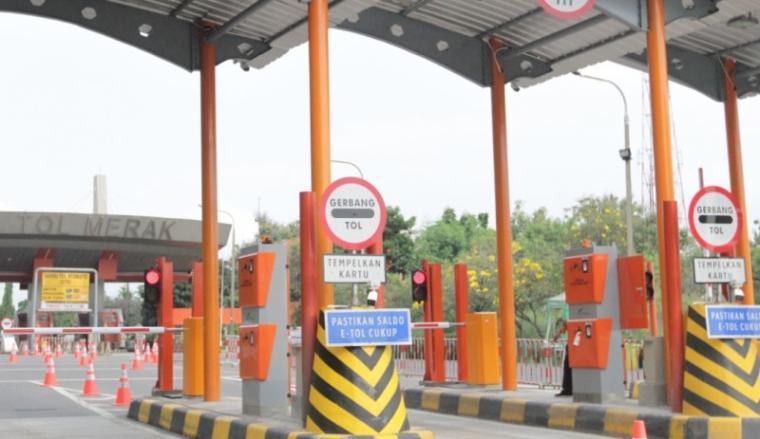 Penambahan lajur gardu di Gerbang Tol Merak. (Foto: TitikNOL)