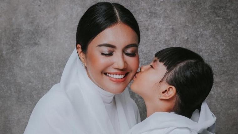 Denada dan Aisha Aurum. (Dok: Okezone)