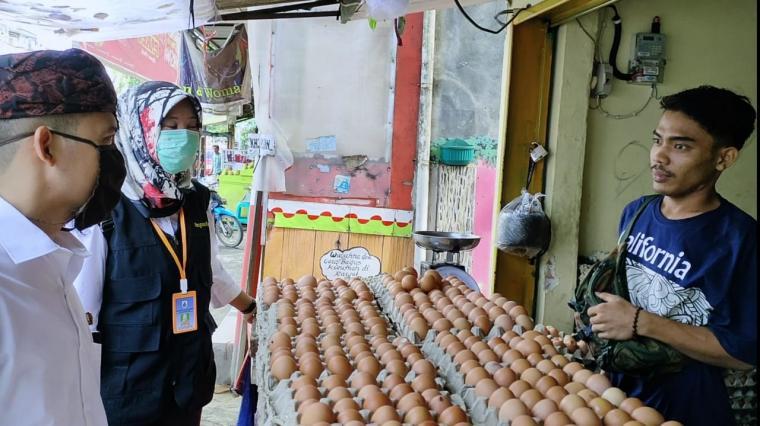 Inspeksi mendadak pasar Tradisional Rangkasbitung. (Foto: TitikNOL)