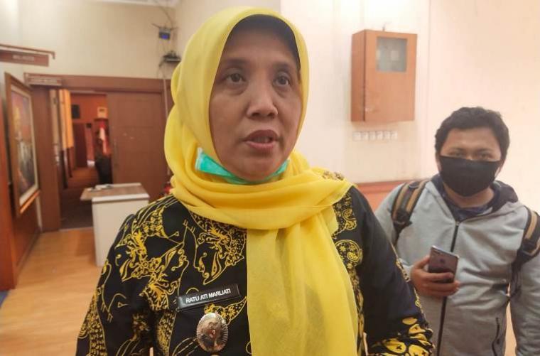 Ratu Ati Marliati saat memberikan keterangan kepada awak media terkait dukungan NasDem. (Foto: TitikNOL)