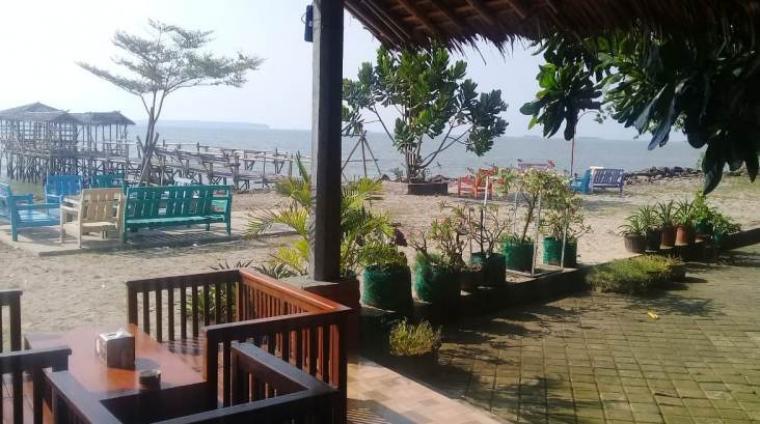 Salah satu objek wisata di Pandeglang terlihat sepi pengunjung. (Foto: TitikNOL)