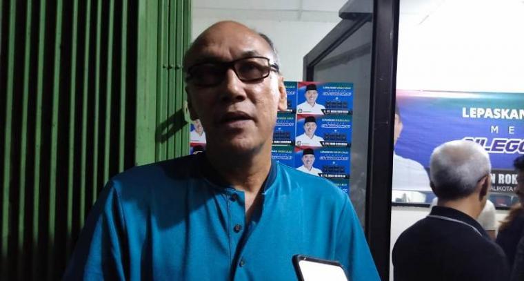 Ketua Tim Pemenangan bakal calon Wali Kota dan Wakil Wali Kota Cilegon, Iye Iman Rohiman - Awab. (Foto: TitikNOL)