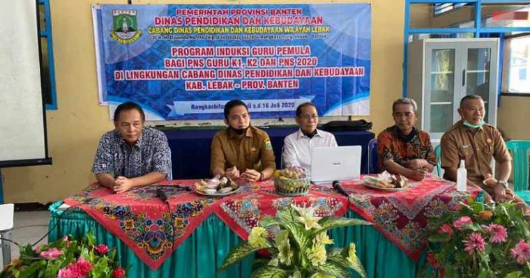 Pelatihan guru pemula yang diselenggarakan di SMA Negeri 2 Rangkasbitung, Senin (13/7/2020). (Foto: TitikNOL)
