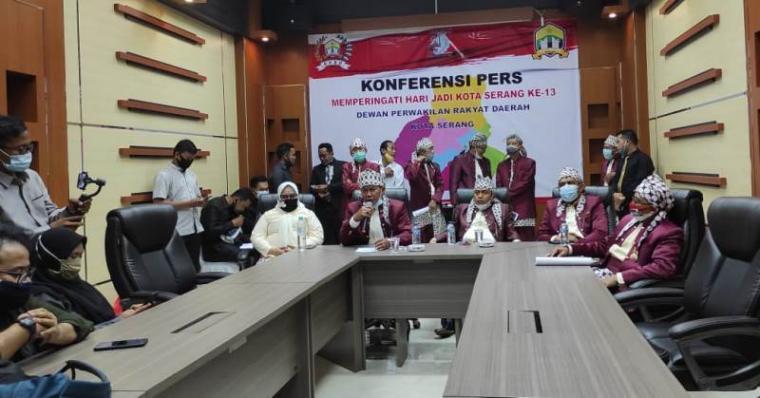 Konferensi pers memperingati hari jadi Kota Serang ke-13. (Foto: TitikNOL)