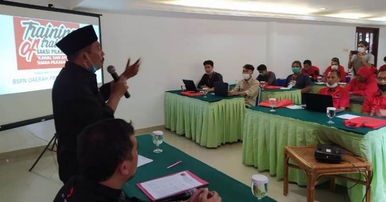 Suasana acara Training Of Trainer (TOT) atau pelatihan pelatih saksi di Hotel Mutiara Carita Pandeglang, Selasa (11/08/2020). (Foto: TitikNOL)