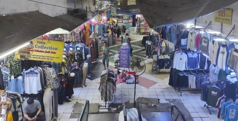 Suasana Pasar Induk Rau, Kota Serang. (Foto: TitikNOL)