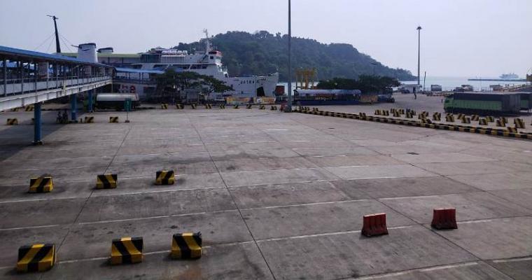 Pelabuhan Merak terlihat sepi. (Foto: TitikNOL)