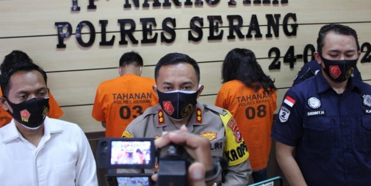 Press conference Satresnarkoba di Aula Mapolres Serang, Kamis (24/9/2020). (Foto: TitikNOL)