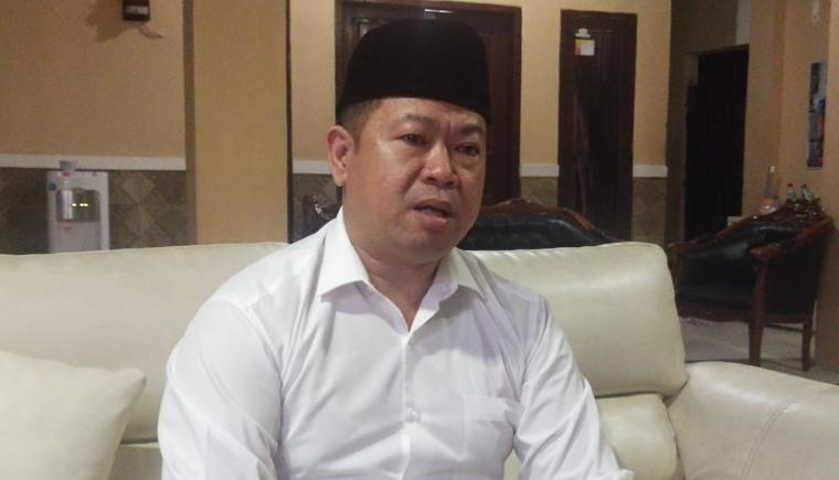 Tokoh masyarakat Rawa Arum yang juga Ketua LSM Gappura Banten, Husen Saidan. (Foto: TitikNOL)