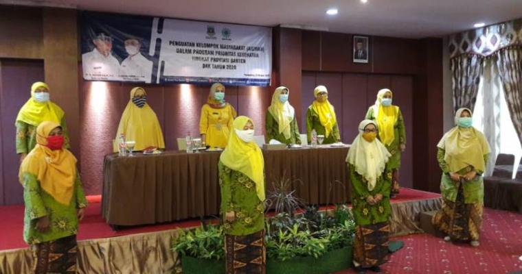 Suasana kegiatan penguatan kelompok masyarakat dalam program prioritas kesehatan di Banten dalam pencegahan penyebaran Covid-19. (Foto: TitikNOL)