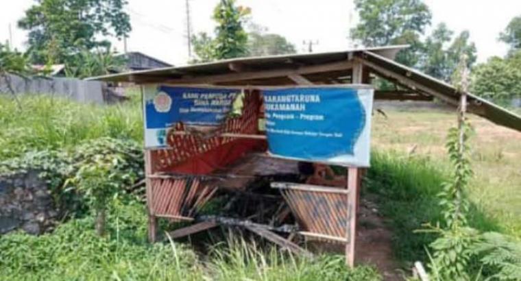 Pos Karang Taruna Bina Warga yang terletak di Kampung Cilangkap Rt 02, Rw 01, Desa Sukamanah, Kecamatan Rangkasbitung, Kabupaten Lebak. (Foto: TitikNOL)