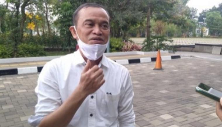 Kepala Badan Pengelolaan Keuangan dan Aset Daerah (BPKAD) Tangerang Selatan, Warman Syanudin. (Foto: TitikNOL)