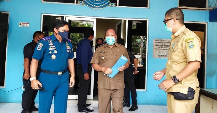 Walikota Cilegon Edi Ariadi usai melakukan kunjungan kerja di KSOP Banten. (Foto: TitikNOL)