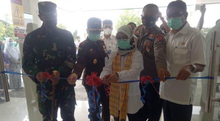 Peresmian Rumah Isolasi khusus Orang Tanpa Gejala (OTG) yang terkonfirmasi Covid-19, di Rumah Sakit Islam (RSI) H.Madali Rangkasbitung oleh Bupati Lebak Iti Octavia Jayabaya. (Foto: TitikNOL)