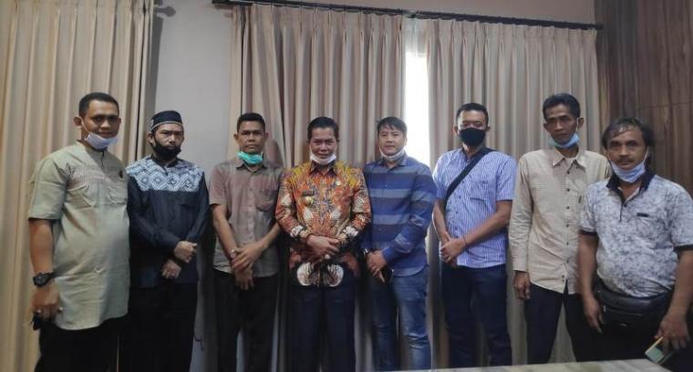 Pengurus baru kopti Kota Serang saat audiensi dengan Wali Kota Serang Syafrudin. (Foto: TitkNOL)