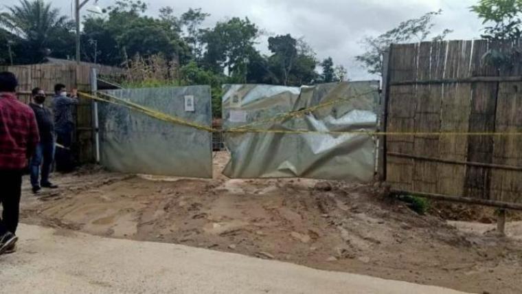 Penyegelan penambangan pasir yang diduga illegal oleh Unit Tipiter Satreskrim Polres Lebak. (Foto: TitikNOL)
