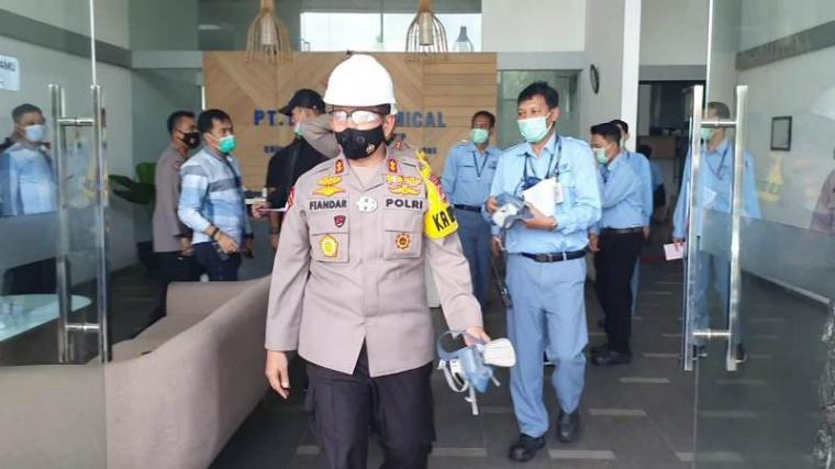 Kapolda Banten, Irjen Pol Fiandar usai mengecek lokasi ledakan di PT Dover Chemical (Istimewa).
