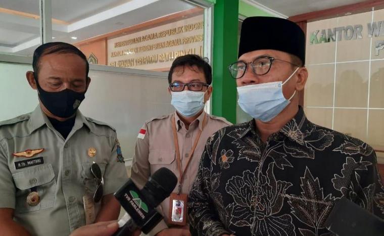 Ketua Komisi VIII DPR Yandri Susanto saat ditemui di Kanwil Kemenag Banten. (Foto: TitikNOL)