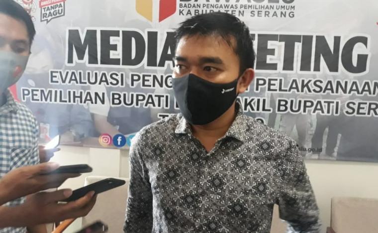 Komisioner Bawaslu Kabupaten Serang Abdurrahman. (Foto: TitikNOL)