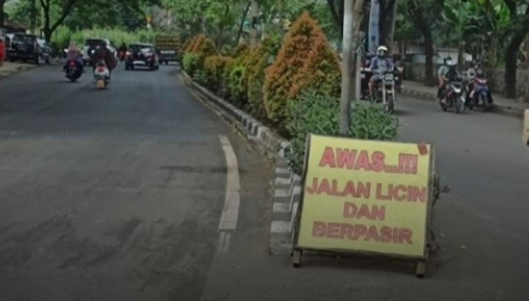 Kondisi Jalan Ciater Raya - Serpong, Tangerang Selatan. (Foto: TitikNOL)