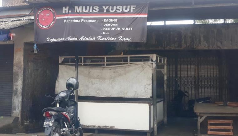 Salah satu lapak daging sapi yang tutup di Pasar Induk Rau (PIR) Kota Serang. (Foto: TitikNOL)
