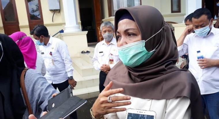 Kepala Dinkes Provinsi Banten Ati Pramudji Hastuti. (Foto: TitiKNOL)