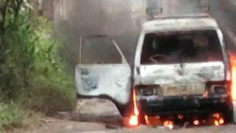 Mobil yang terbakar itu membawa bahan bakar minyak (BBM) jenis Solar. (Foto: TitikNOL)
