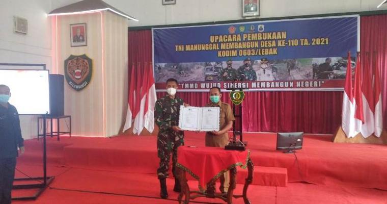 Upacara pembukaan Tentara Manunggal Membangun Desa (TMMD) ke-110, tahun 2021. (Foto: TitikNOL)