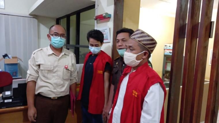 Dua tersangka baru kasus dugaan pemotongan dana hibah Ponpes. (Foto: TitikNOL)