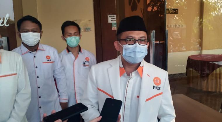 Ketua DPD PKS Kota Serang Hasan Basri. (Foto: TitikNOL)