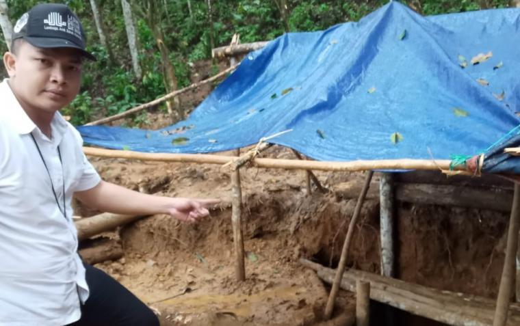 Tambang emas liar di Gunung Liman yang meresahkan suku adat Baduy di Kecamatan Cirinten, Kabupaten Lebak. (Foto: TitikNOL)
