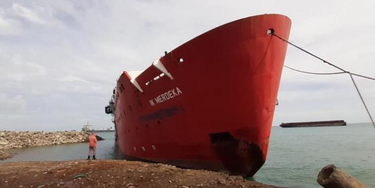 Kapal IK Merdeka di Perairan Banten. (Istimewa).