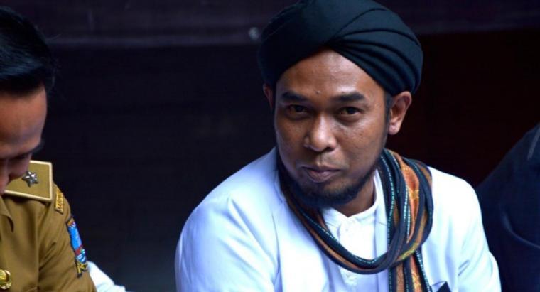 Pembina Majelis Zikir Bumi Alit Padjadjaran Cikeusal, Serang, KH Elang Mangkubumi. (Foto: TitikNOL)
