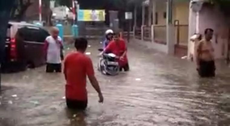Banjir di Kelurahan Tamansari, Kecamatan Pulomerak. (Istimewa).